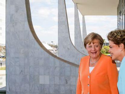 Dilma e Merkel em Brasília no dia 20 de agosto.