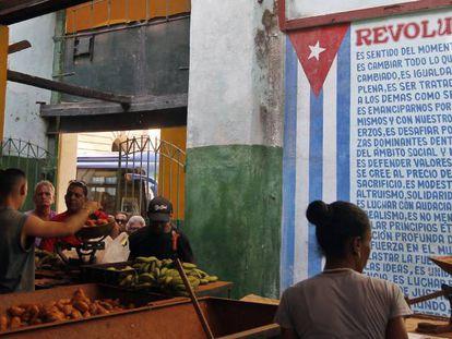 Um mercado agropecuário em Havana.