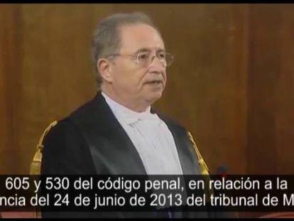 Imágenes do momento da sentença de Berlusconi.