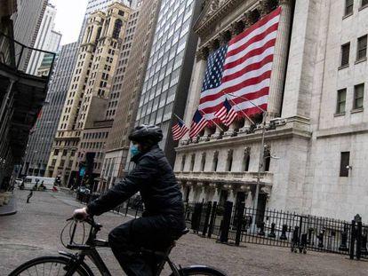 Imagem da Bolsa de Nova York, em Wall Street.