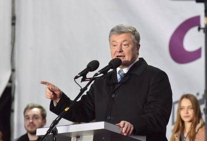 Poroshenko em um comício na localidade de Lviv, nesta quinta