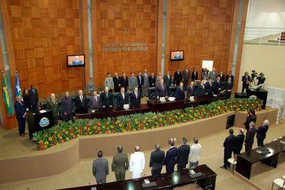 Sessão na Assembleia do Mato Grosso, onde cada deputado recebe 65.000 reais como verba indenizatória.