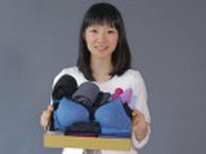 Japonesa Marie Kondo se transformou em um fenômeno de vendas graças ao seu livro sobre como organizar o lar