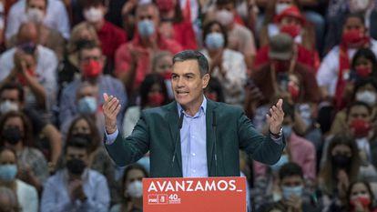 Pedro Sánchez durante seu discurso de encerramento do 40º Congresso Federal do Partido Socialista Operário Espanhol.