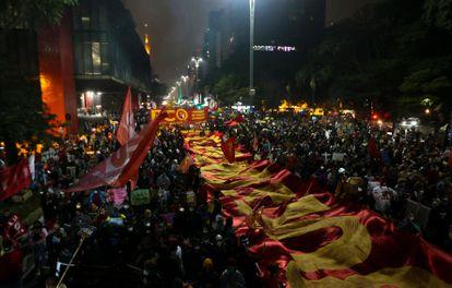 """Ato pelo """"fora Bolsonaro"""" na avenida Paulista, em São Paulo, neste sábado, 19 de junho."""