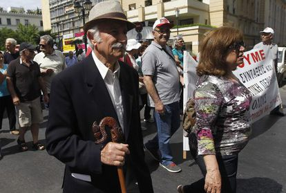 Protesto de pensionistas na Grécia contra as medidas de austeridade.