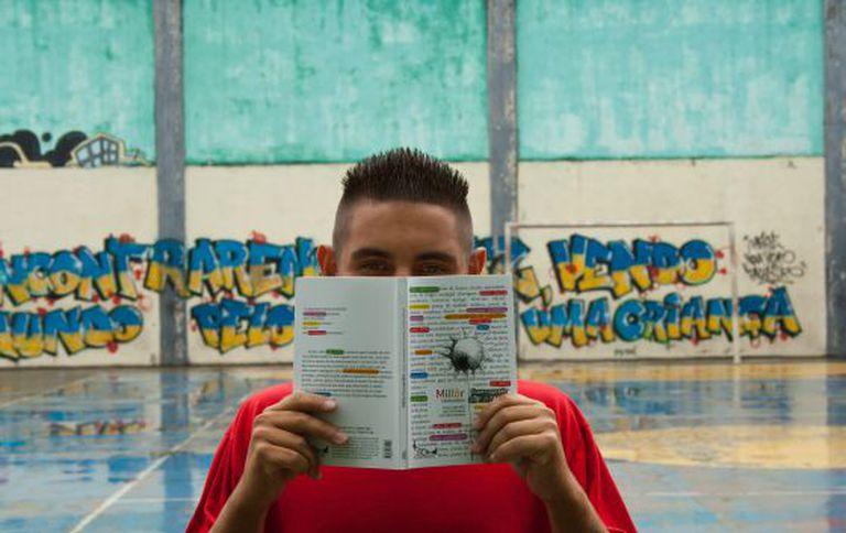 O adolescente é finalista da Olimpíada de Língua Portuguesa.