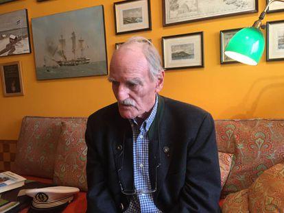 O escritor Jean Raspail, em sua casa.