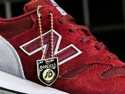 Queimar tênis da New Balance, novo símbolo de protesto 'antitrump'