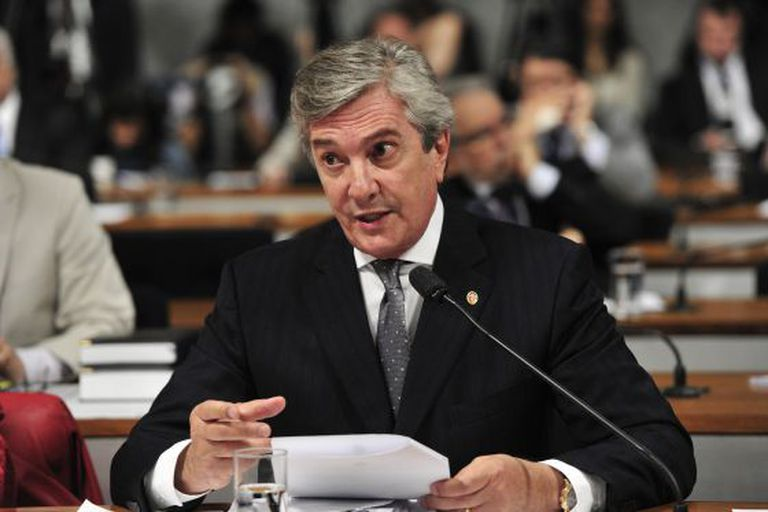 O senador Fernando Collor em audiência de 2012, no Senado.