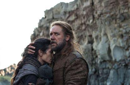 Jennifer Connelly e Russell Crowe em uma cena do filme 'Noé'.