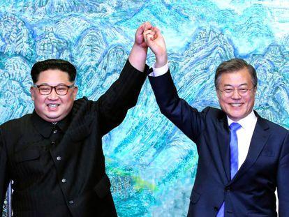 Kim Jong-un e Moon Jae-in em Panmunjom na sexta-feira