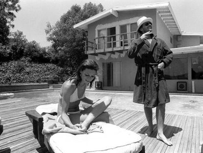 Anjelica Huston e Jack Nicholson, em julho de 1974.