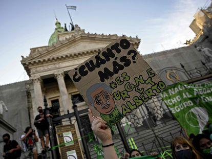 Manifestantes em Buenos Aires nesta quarta-feira.