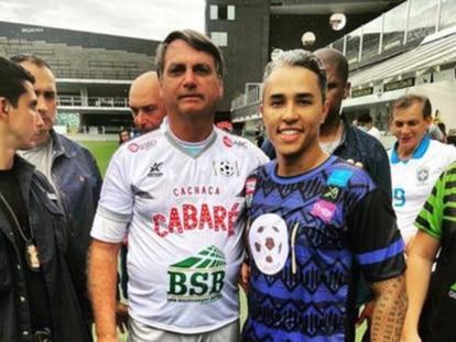 Jair Bolsonaro posou para foto com um empresário acusado de elo com PCC