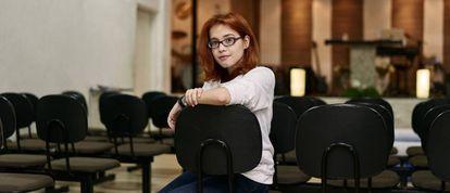 Carol Santos, 20 anos, líder de jovens de igreja