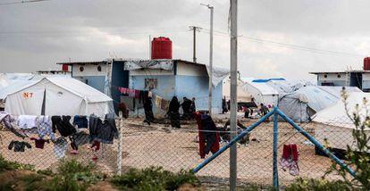 Campo de acolhida para familiares de militantes do EI em Hol, no nordeste da Síria
