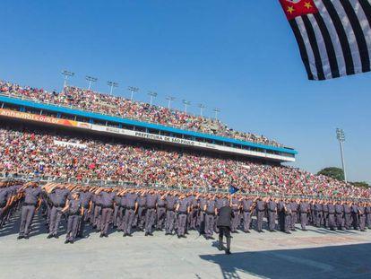 Cerimônia de formatura de policiais militares em São Paulo.