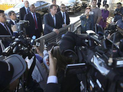 Bolsonaro fala à imprensa em agosto de 2019.