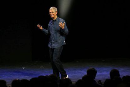 Executivo-chefe da Apple, Tim Cook, durante a apresentação dos novos iPhones.