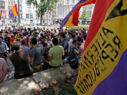 Três são detidos por incidentes com camisetas republicanas em Madri