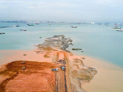 Em Tuas, oeste de Singapura, se avançou em direção ao mar no últimos anos para a construção de um megaporto.