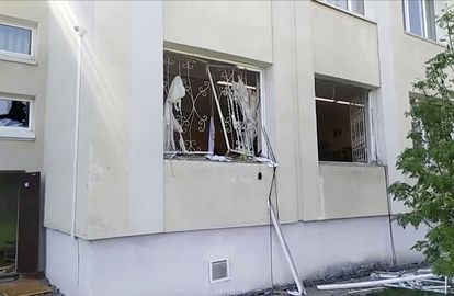 Imagem de vídeo mostrando os danos causados após o ataque.