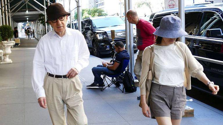 Woody Allen e sua mulher, Soon-Yi, em Nova York, em 23 de agosto.