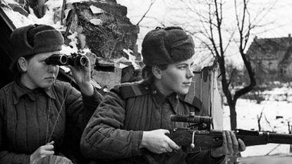 Franco-atiradoras soviéticas durante a II Guerra Mundial.