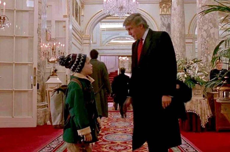 Donald Trump em cena com Macaulay Culkin em 'Esqueceram de mim 2'.