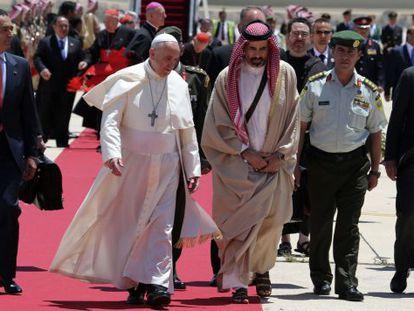 O papa recebido pelo príncipe Ghazi da Jordânia.