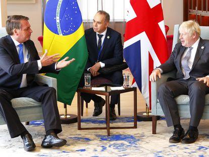 O presidente Jair Bolsonaro e o primeiro-ministro britânico, Boris Johnson, conversam durante encontro em Nova York, às vésperas da abertura da Assembleia Geral da ONU.