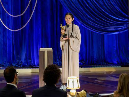 Chloé Zhao recebe o Oscar de melhor direção por 'Nomadland' neste domingo, 25 de abril, em Los Angeles.
