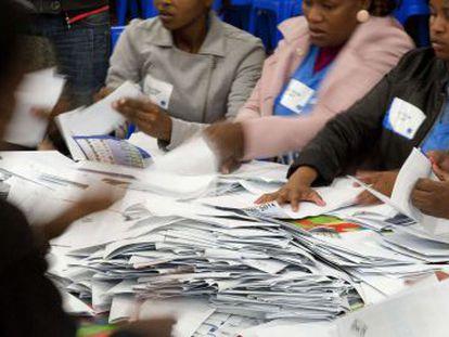 Contagem de votos na Cidade do Cabo, na quarta-feira.