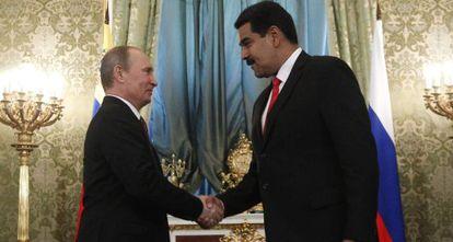 Nicolás Maduro com Vladimir Putin em julho de 2013.