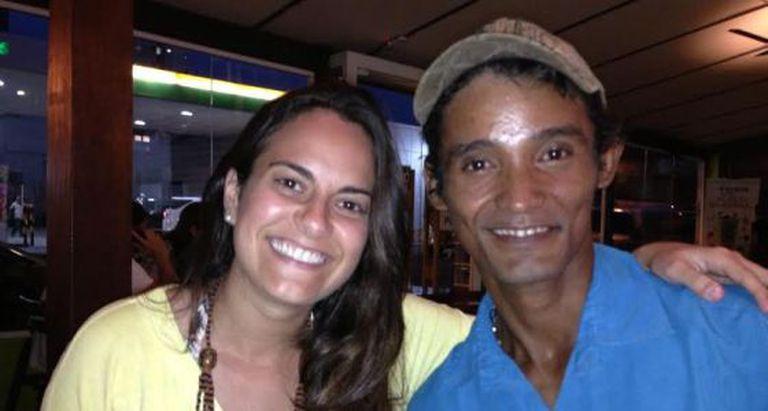 A jornalista Nathalia Ziemkiewicz com Heberson Lima de Oliveira.