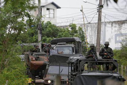 Militares brasileiros no Japeri.