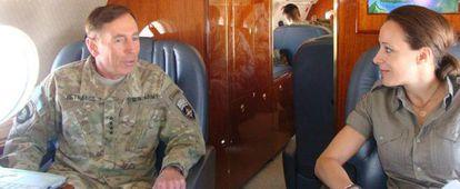 Petraeus com sua biógrafa, Paula Broadwell.