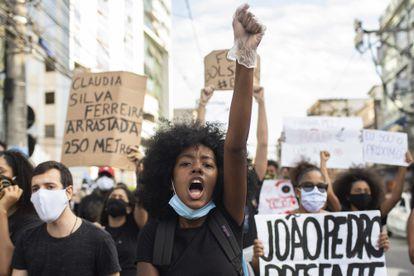 Protesto contra o racismo em São Gonçalo, no Rio, onde o adolescente João Pedro, de 14 anos, foi morto baleado pela polícia.