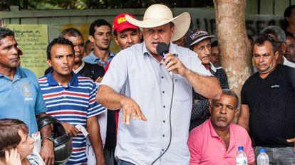 Prefeito do município de Senador José Porfírio, Dirceu Biancardi (PSDB), defendendo a mineradora canadense Belo Sun durante uma audiência pública na Volta Grande do Xingu, em novembro de 2017