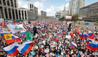 Manifestantes protestam por eleições livres em Moscou, em 20 de julho de 2019.