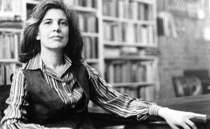 Susan Sontag em sua casa em 1979