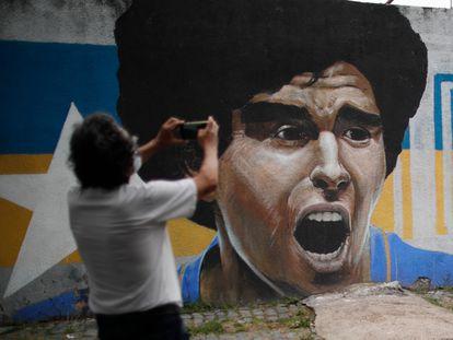 Mural com a imagem de Maradona em Buenos Aires, na Argentina