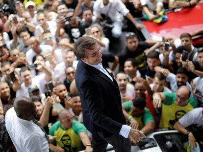 Jair Bolsonaro é recepcionado em Salvador
