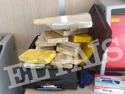 Os 39 quilos de cocaína encontrados na mala do sargento Manoel Silva Rodrigues, de 38 anos.