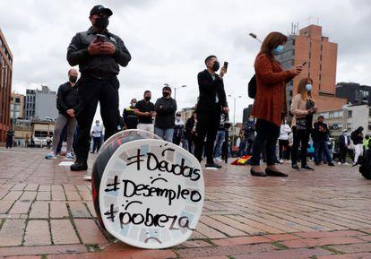 Protesto de donos de bares e restaurantes realizado em abril em Bogotá.