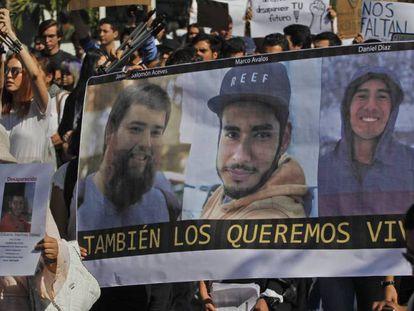 Protesto em Guadalajara no dia 22 de março contra o desaparecimento dos estudantes