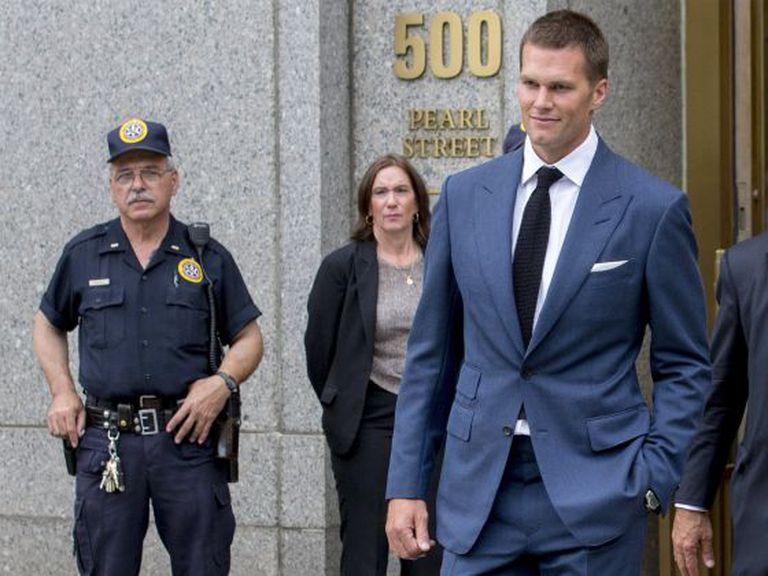 Tom Brady, ao sair na quinta-feira, dia 3, de um tribunal de Nova York.