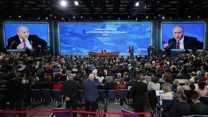 O presidente russo, Vladimir Putin, durante sua tradicional entrevista coletiva do final de ano, nesta quinta-feira.