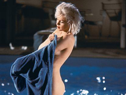 Marilyn Monroe fotografada por Lawrence Schiller pouco antes da sua morte, na rodagem do filme inacabado 'Something's got to give'.